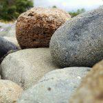 dideli-akmenys-pirmiausia