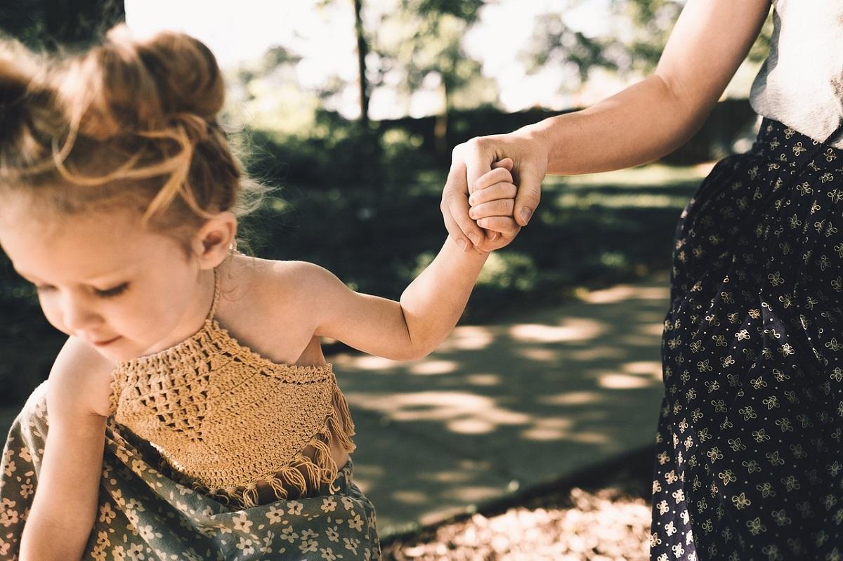 Motinos meilė – pančiai ar palaiminimas?
